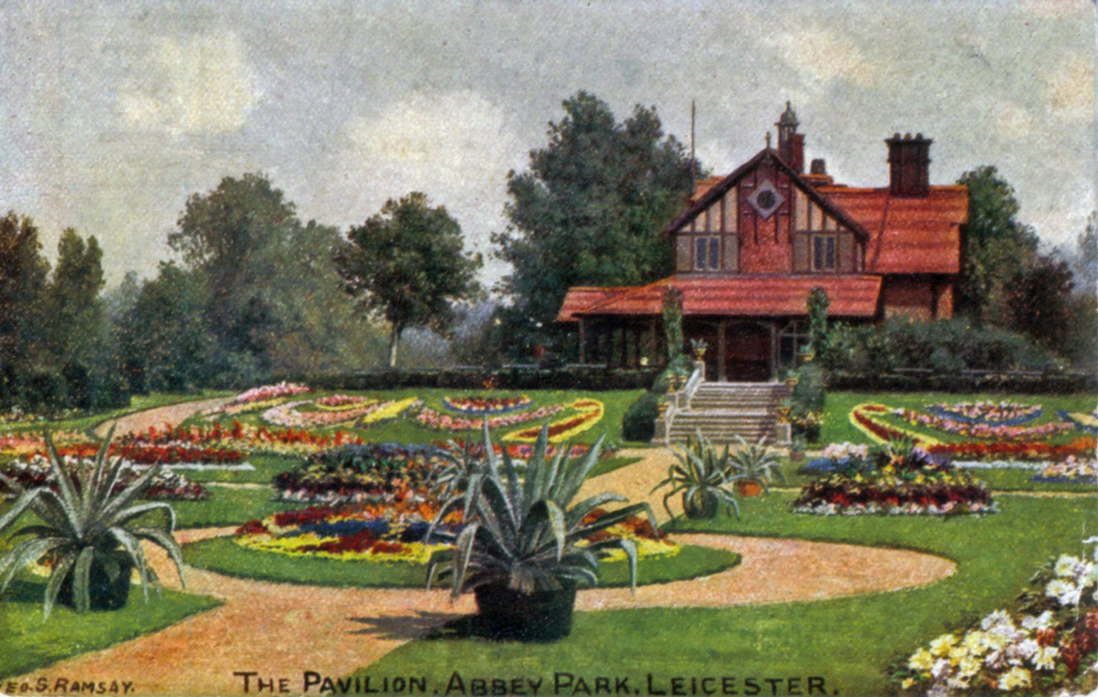 Abbey Park, Leicester. 1901-1920: View across elaborately planted flower beds with the Pavilion in the background. (File:1003)
