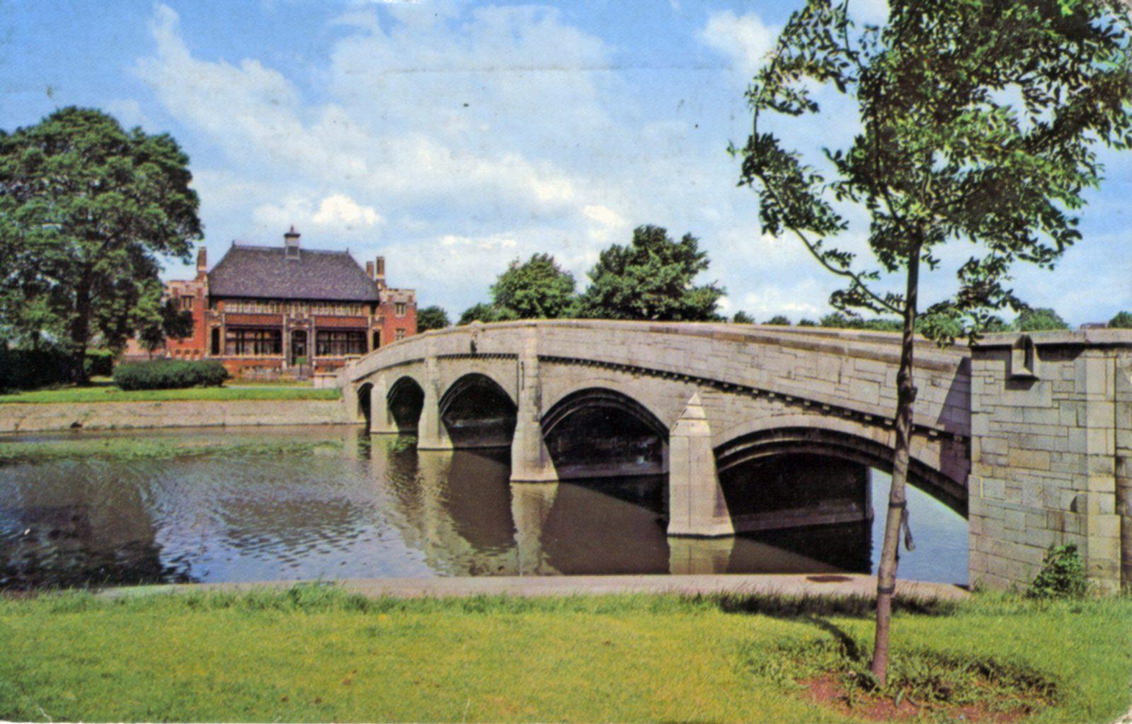Abbey Park, Leicester. Post 1960: Bridge over River Soar. Pavilion in background. (File:1050)