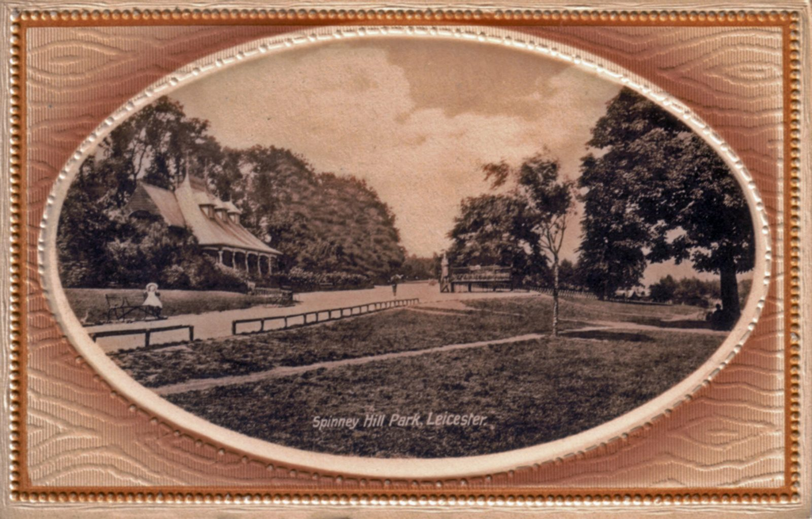 Spinney Hill Park, Leicester. 1901-1920: The Pavilion, framed. Child on seat. (File:1055)