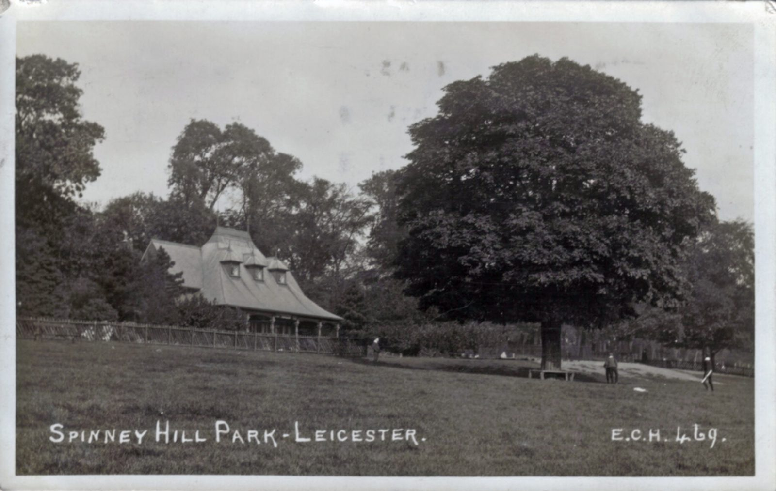 Spinney Hill Park, Leicester. 1901-1920: The Pavilion. Franked 1915 (File:1057)