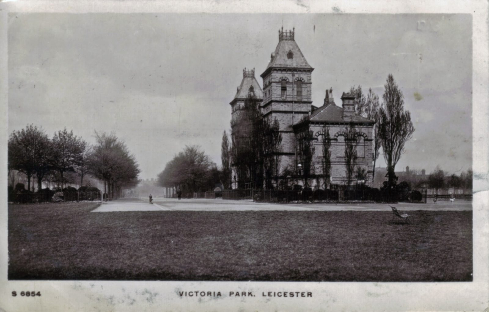 Victoria Park, Leicester. Undated: Pavilion - side view with avenue. (File:1074)