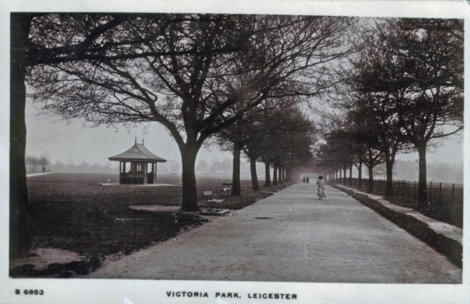 Victoria Park, Leicester. 1901-1920: Broad walk and gazebo. Woman walking. Franked 1912 (File:1079)