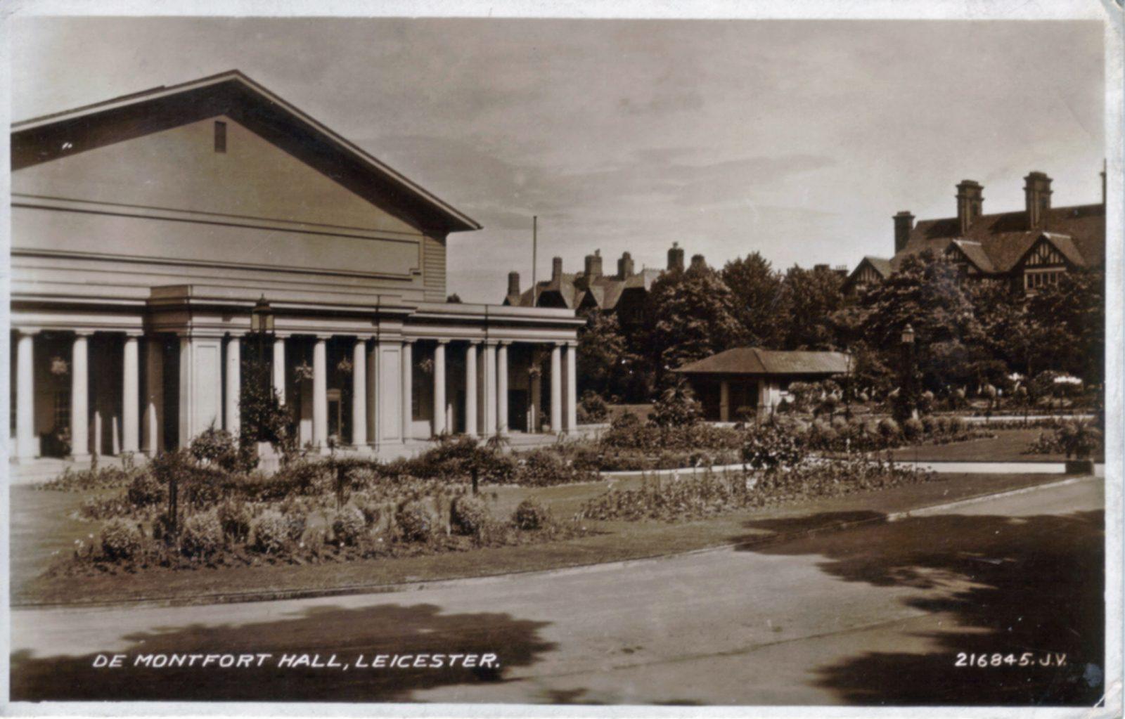 Victoria Park, Leicester. 1921-1940: De Montfort Hall. Franked 1936 (File:1081)
