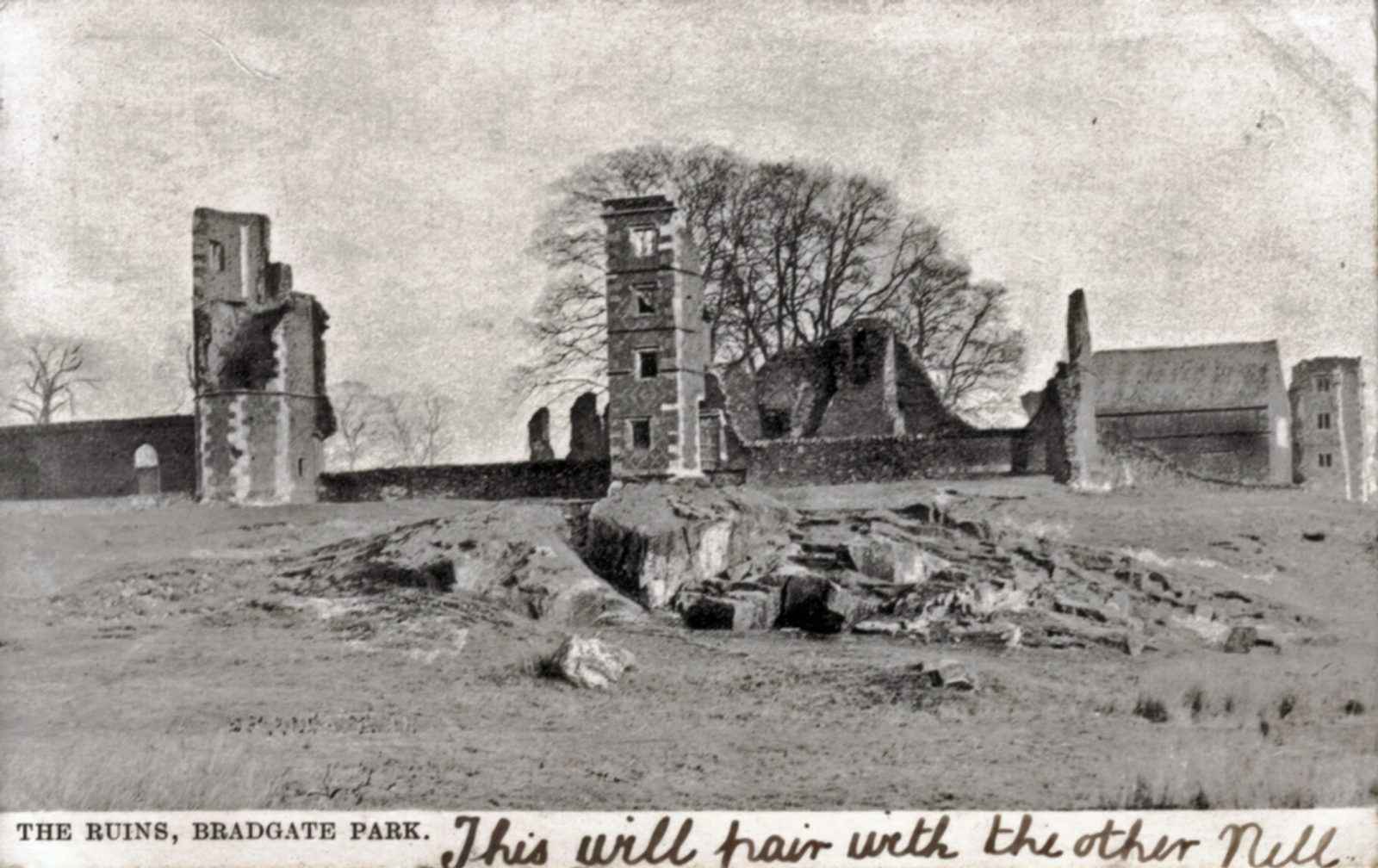 Bradgate Park, Leicester. 1901-1920: Ruins of Bradgate House. Franked 1904 (File:1127)