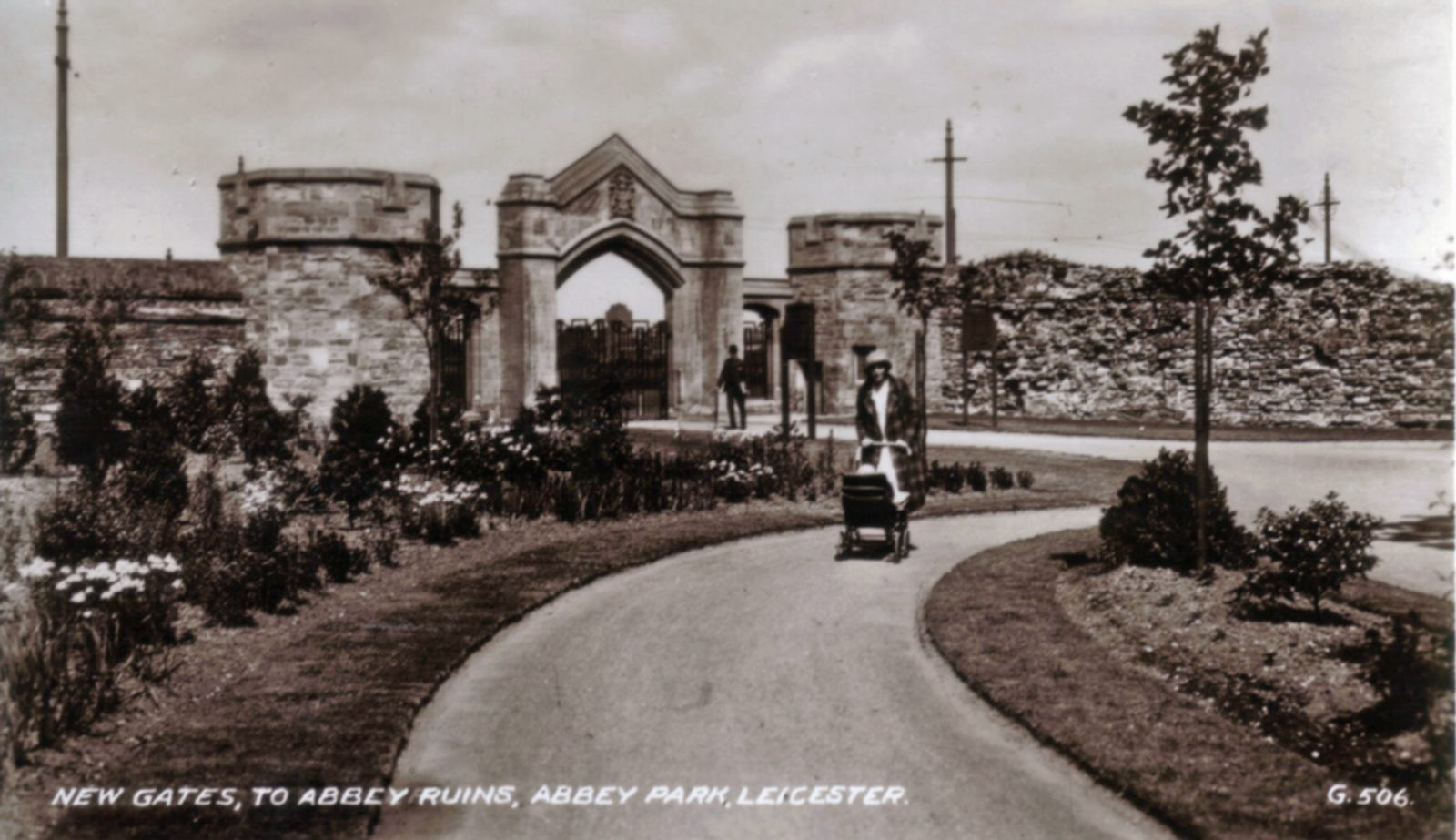 Abbey Park, Leicester. Undated: New gates to Abbey ruins. (File:1215)