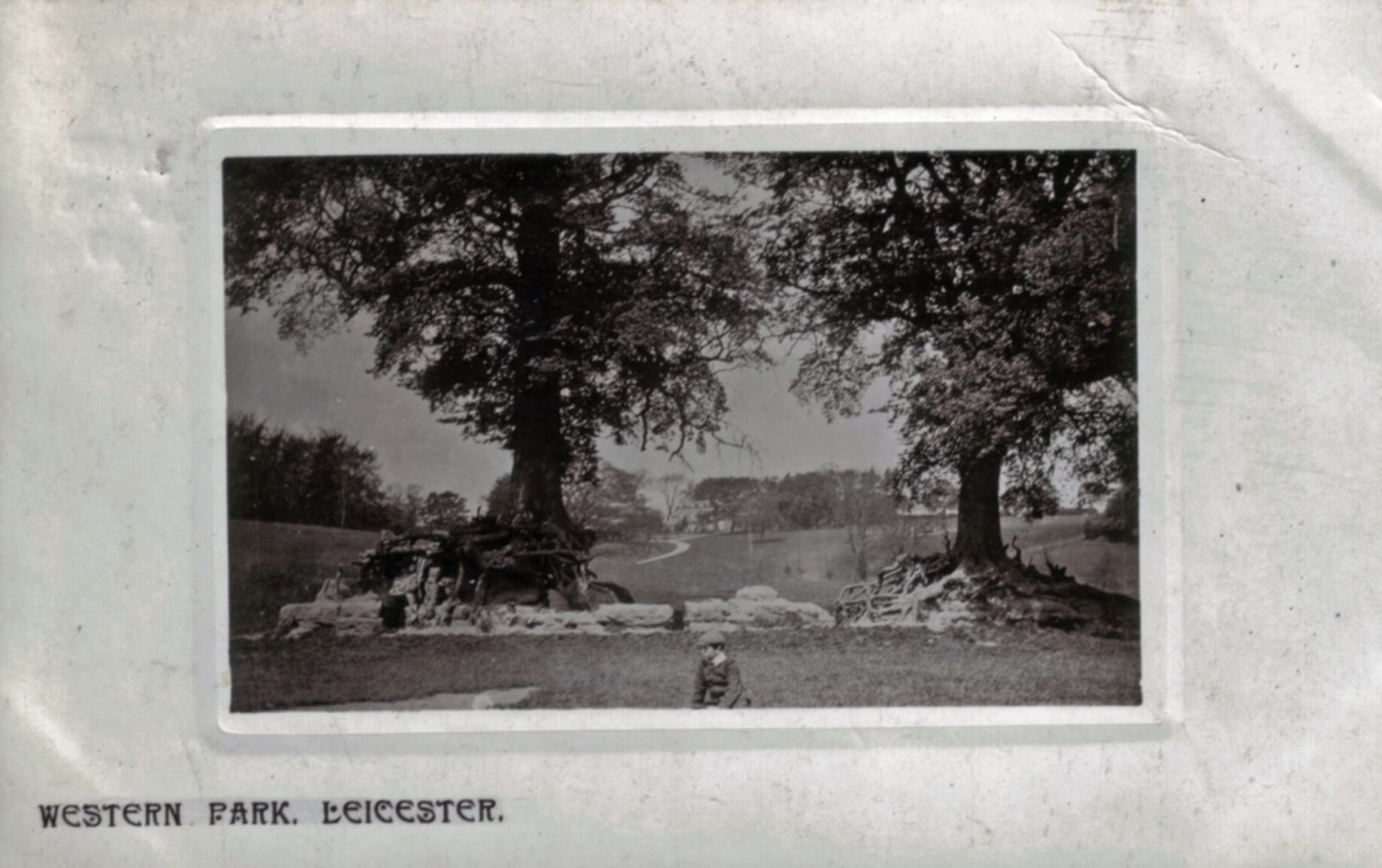 Western Park, Leicester. Pre 1900: Western Park with some children playing with Hall in background. Franked 1907 (File:1223)