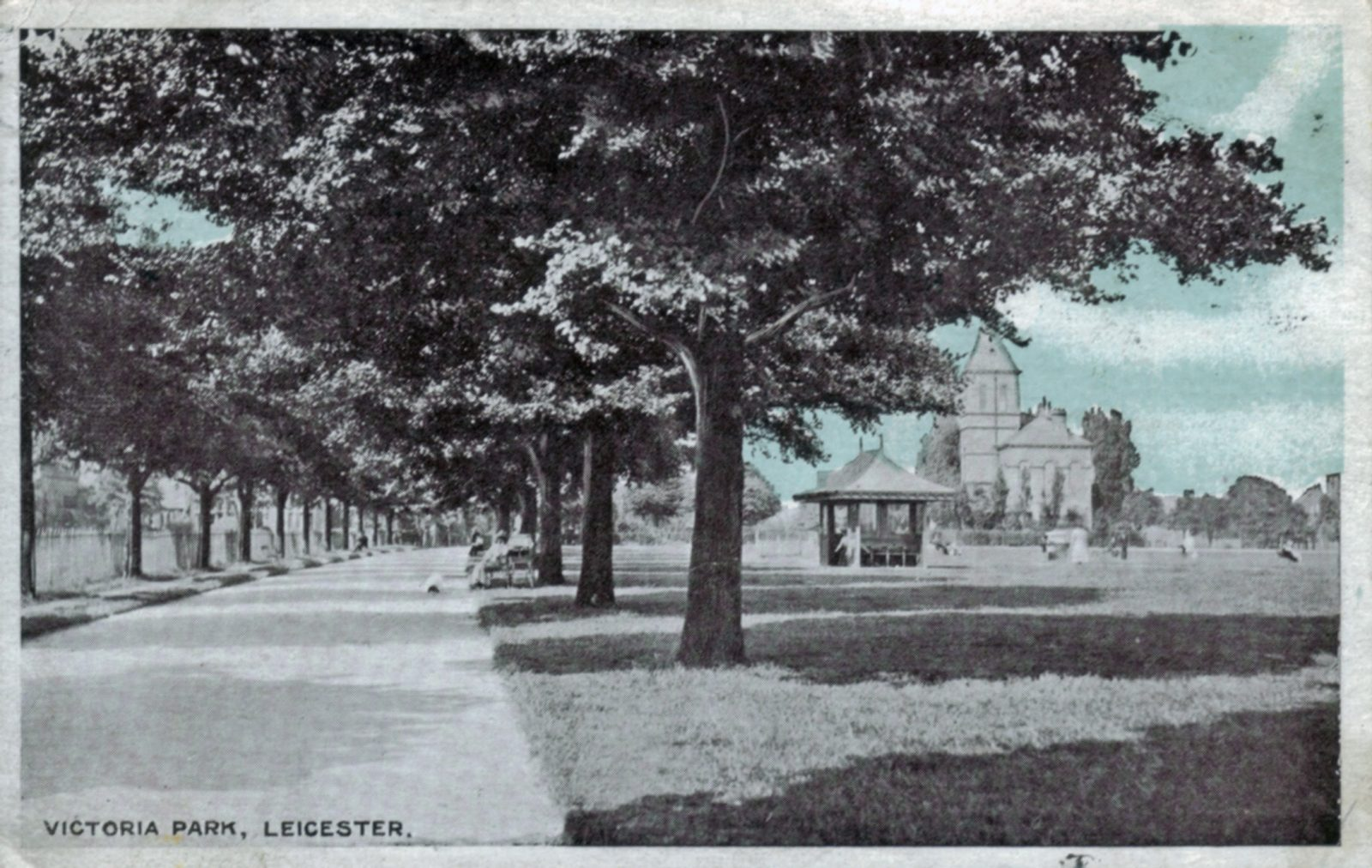 Victoria Park, Leicester. 1901-1920: Avenue of trees and the Pavilion. Franked 1920 (File:1235)