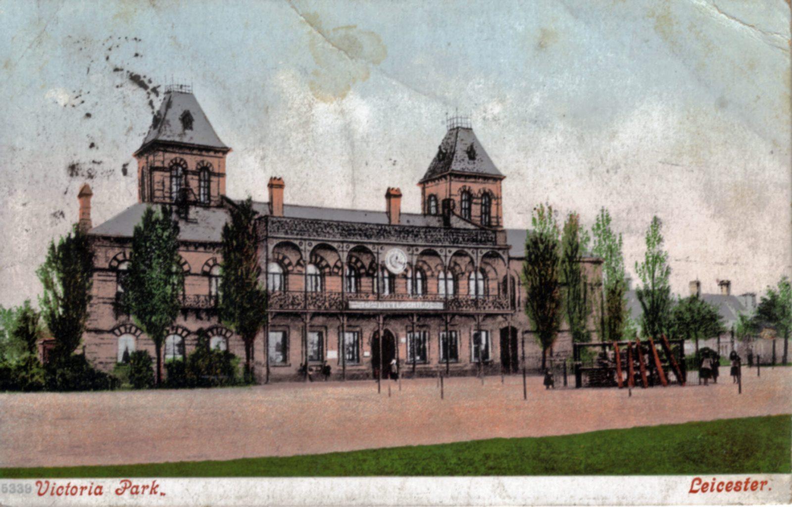 Victoria Park, Leicester. 1901-1920: The Pavilion. Franked 1905 (File:1238)