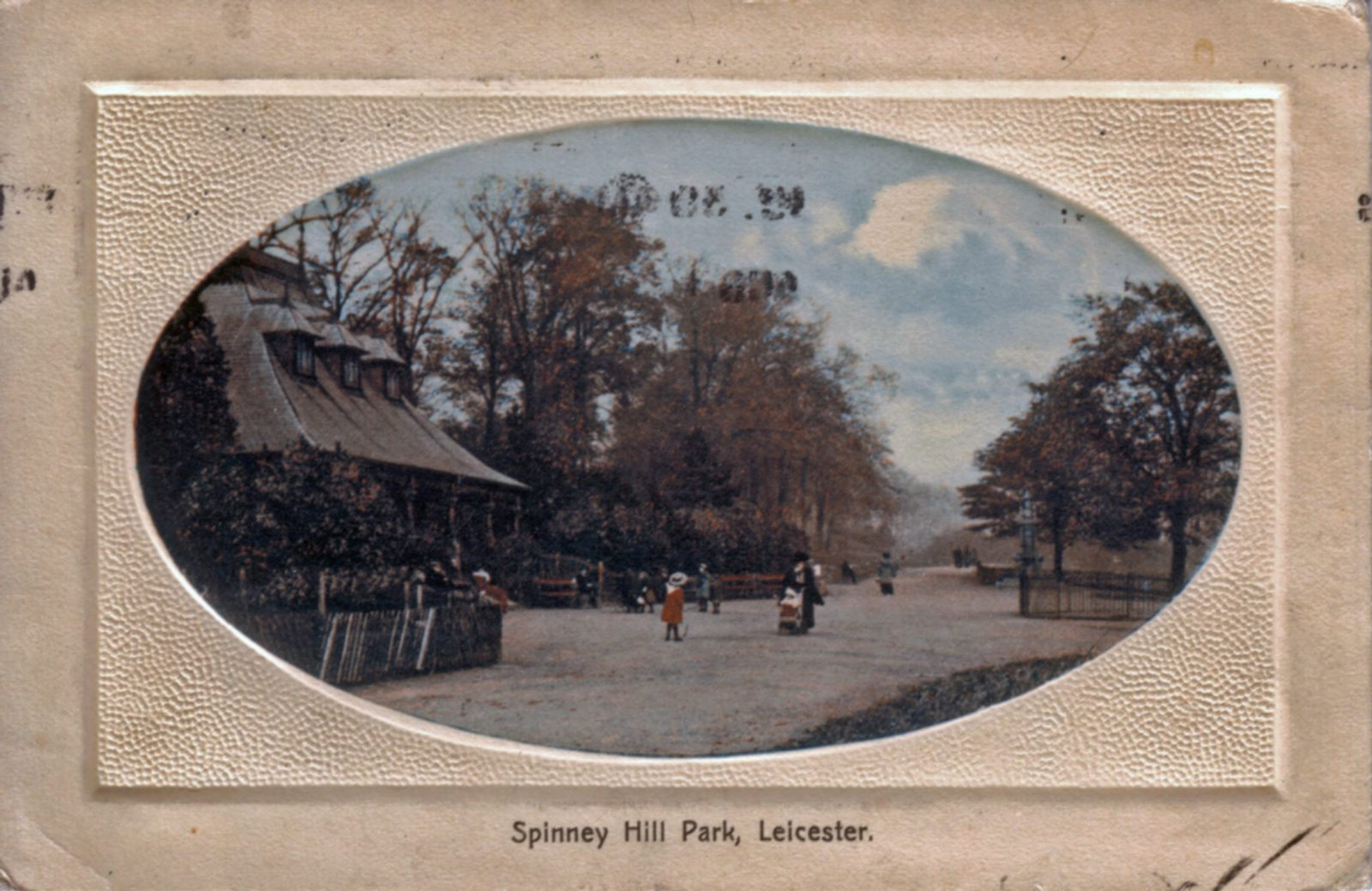 Spinney Hill Park, Leicester. 1901-1920: The Pavilion and broad avenue with people promenading and sitting. (File:1250)