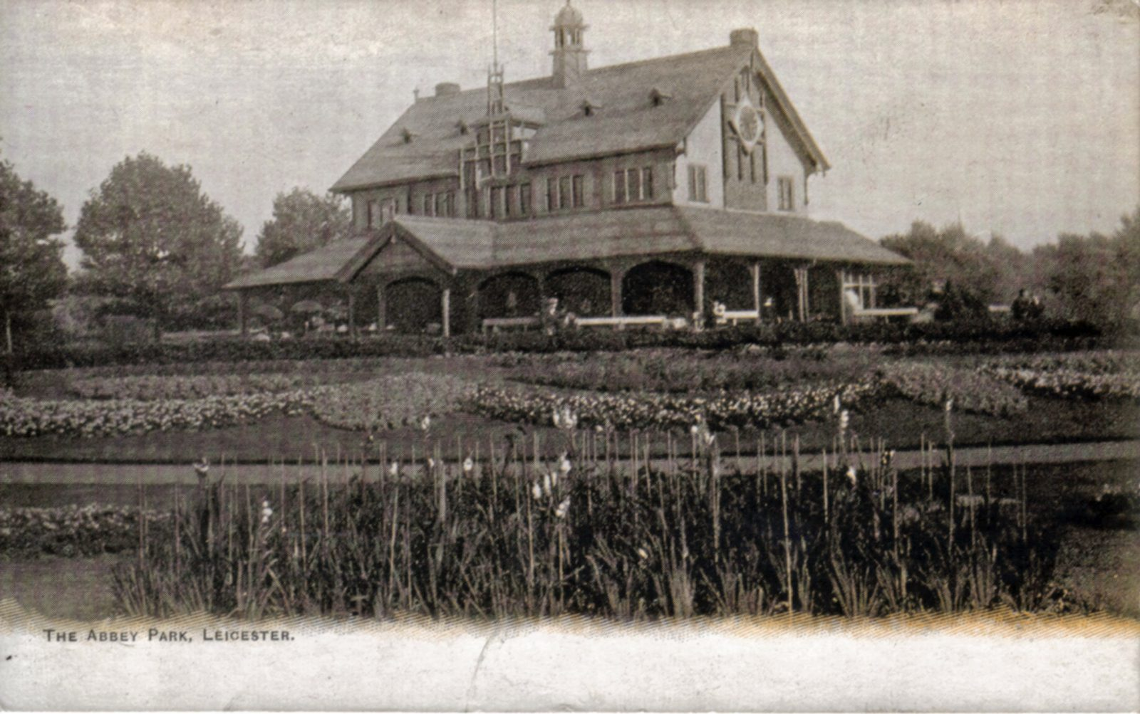 Abbey Park, Leicester. 1901-1920: The Pavilion and formal bedding. (File:1265)