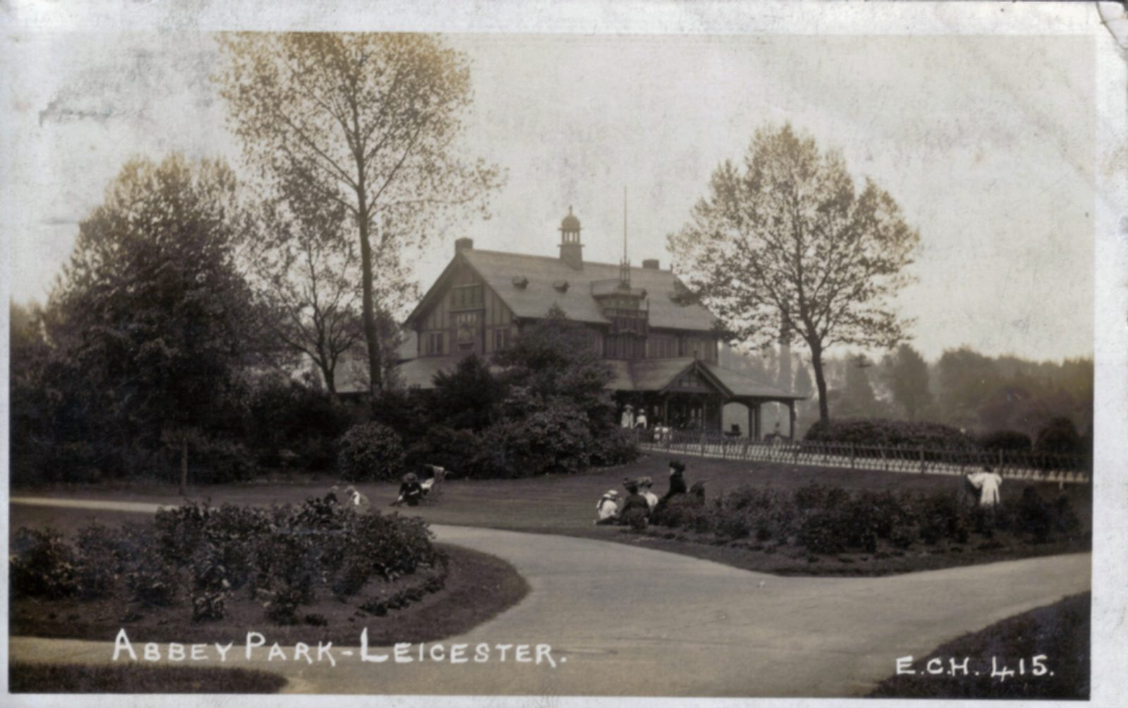 Abbey Park, Leicester. 1901-1920: The Pavilion, formal bedding with children playing. Franked 1914 (File:1268)