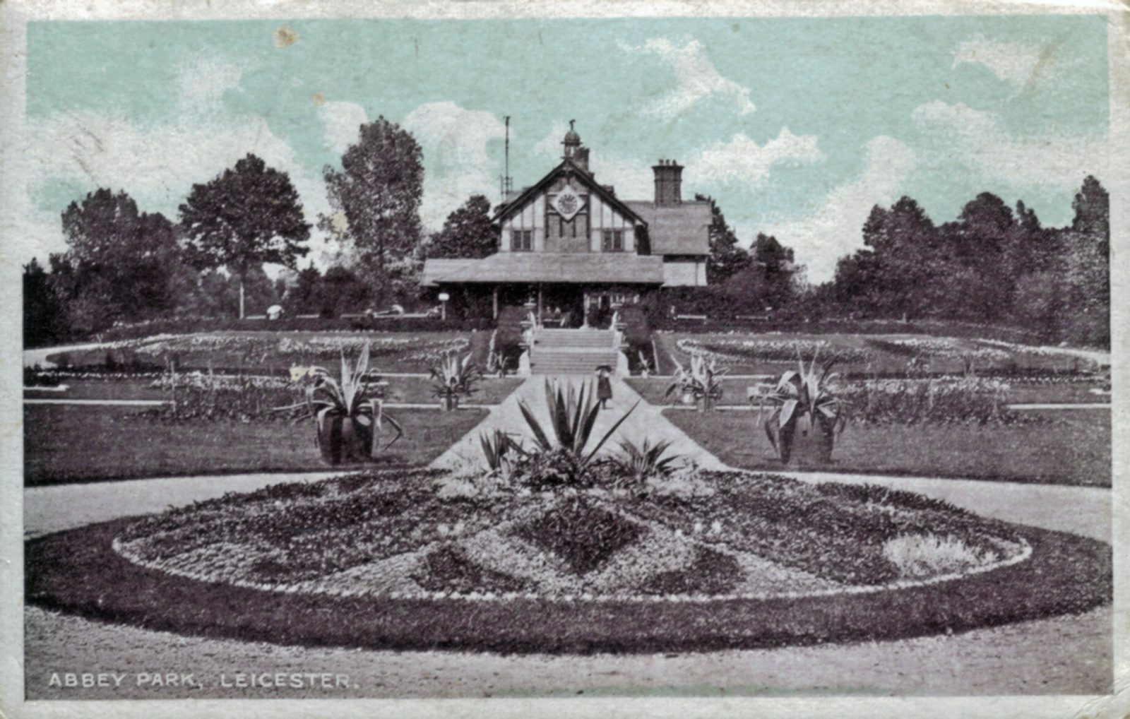 Abbey Park, Leicester. 1901-1920: The Pavilion and formal bedding. (File:1272)