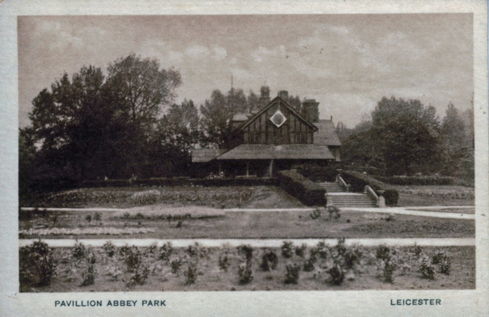 Abbey Park, Leicester. Undated: The Pavilion and formal bedding. (File:1273)