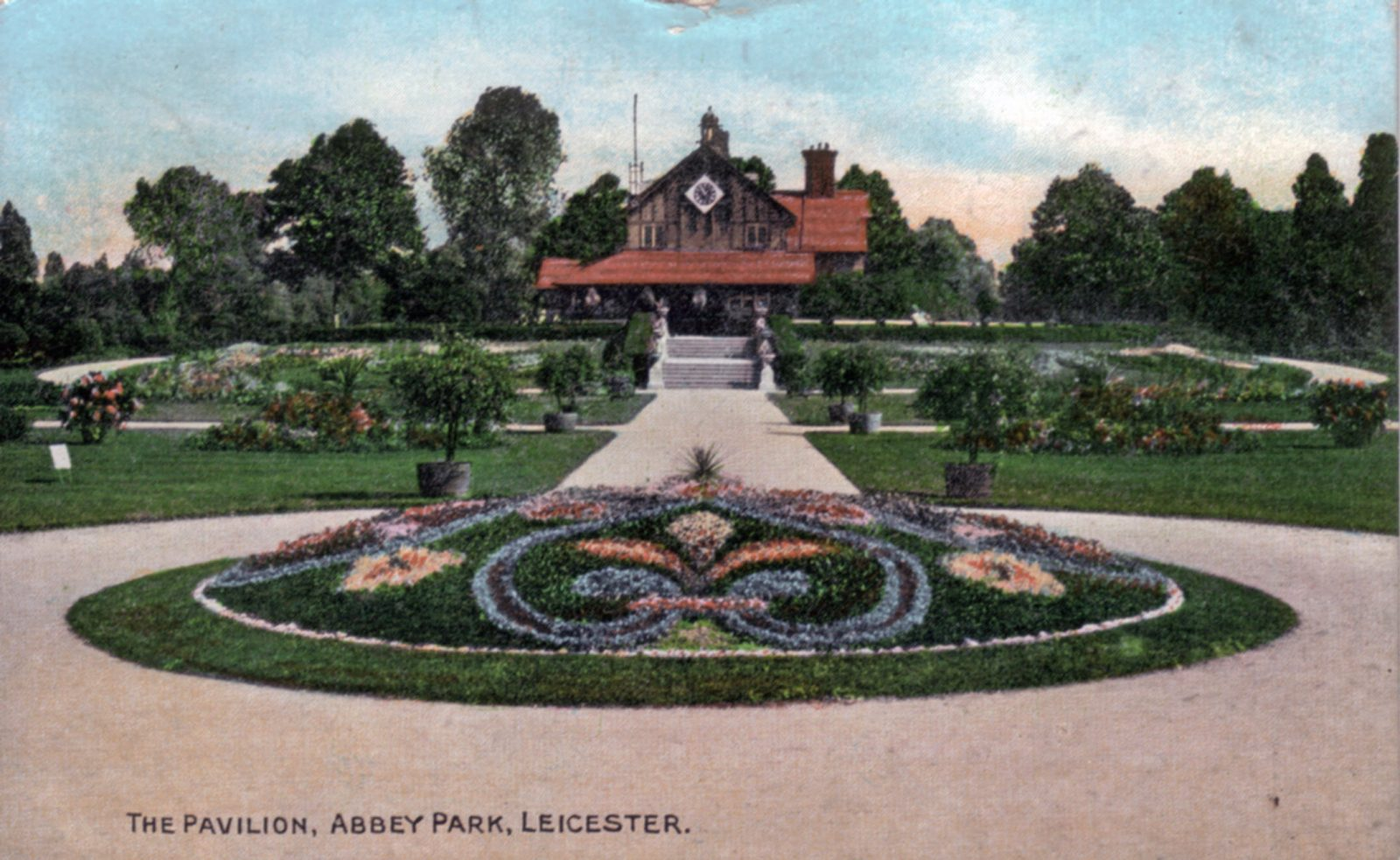 Abbey Park, Leicester. 1901-1920: The Pavilion and formal bedding. (File:1275)