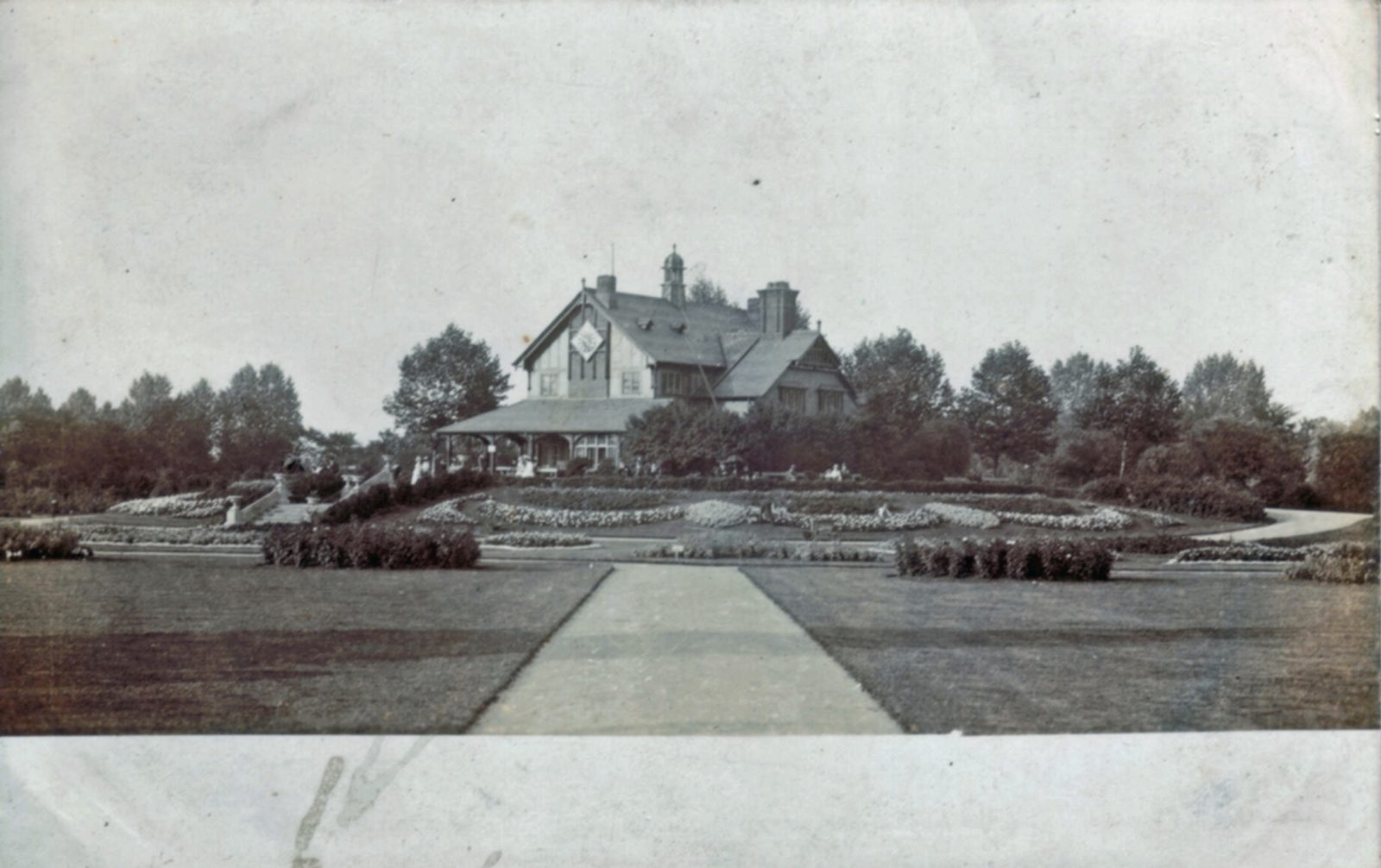 Abbey Park, Leicester. Pre 1900: The Pavilion and formal bedding. (File:1277)
