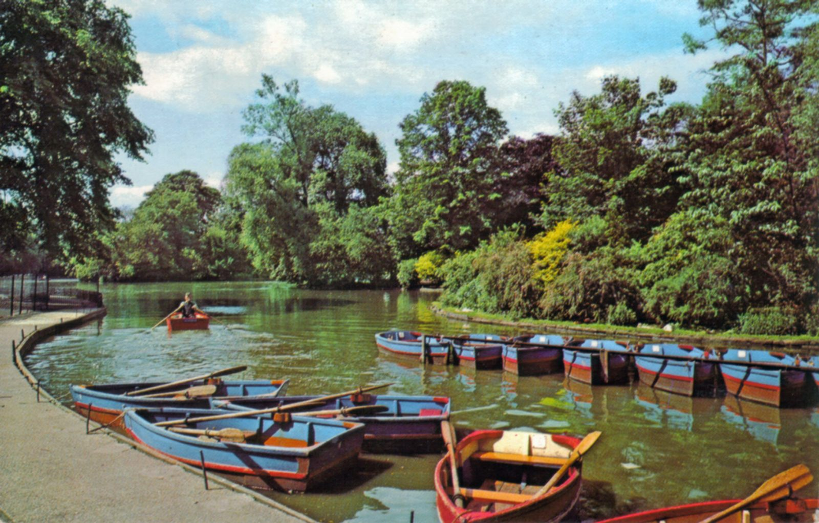 Abbey Park, Leicester. Undated: The boating lake. (File:1282)