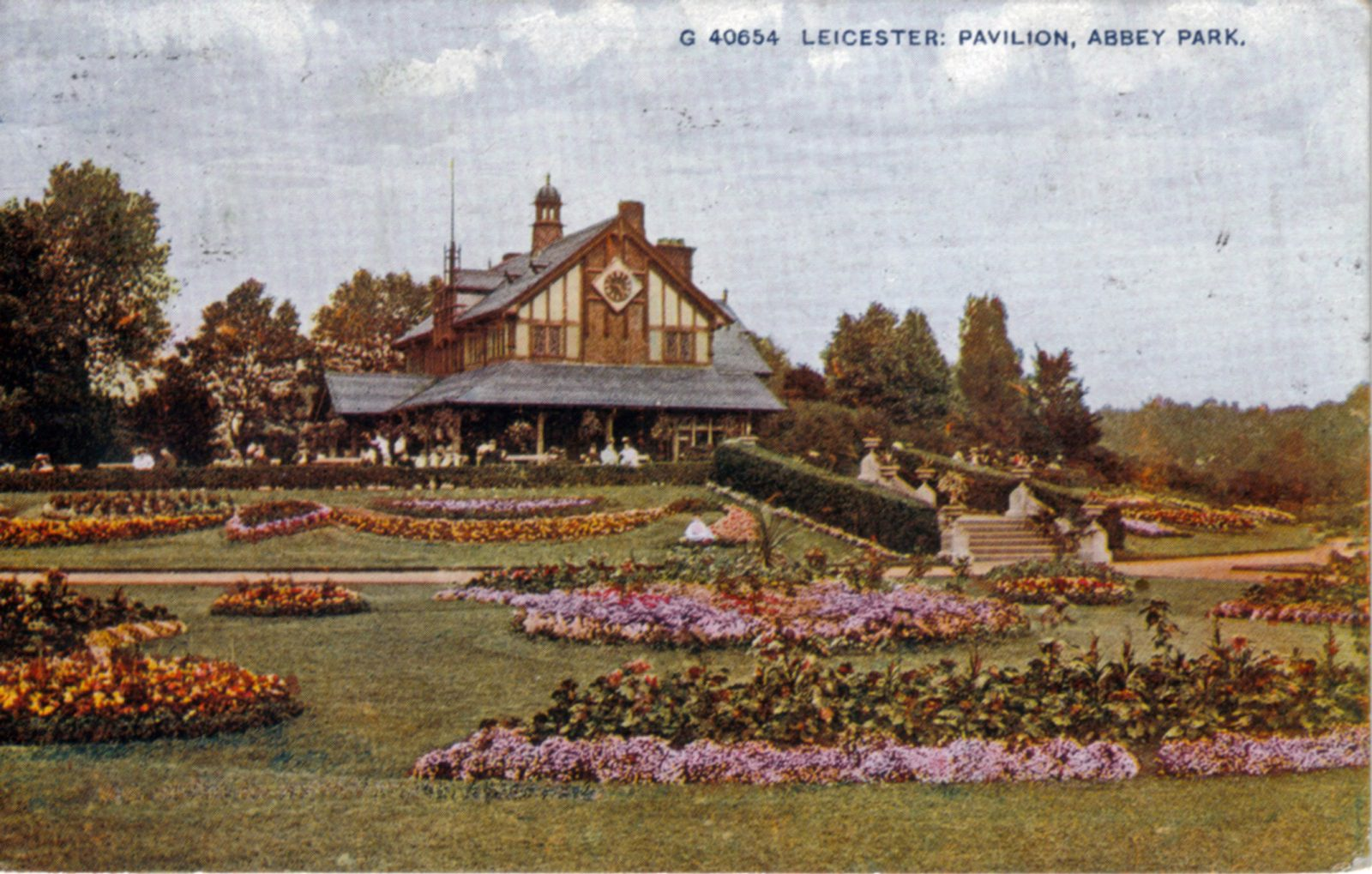Abbey Park, Leicester. 1901-1920: Pavilion and carpet bedding. Posted 1904-10 (File:1290)