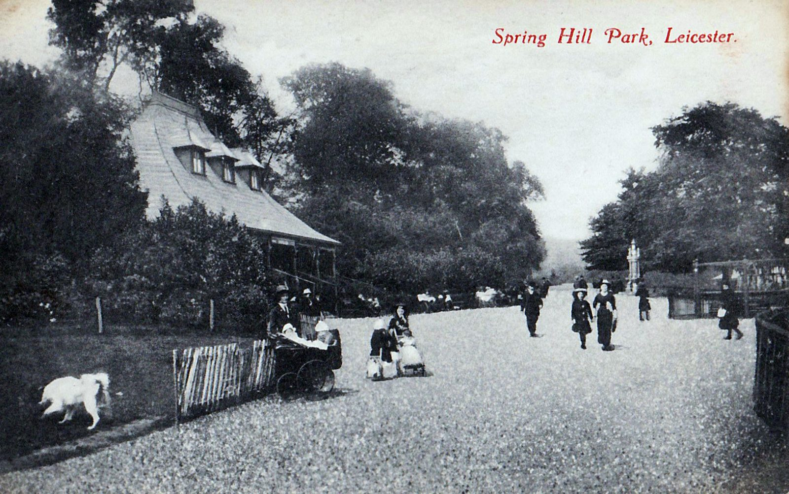 Spinney Hill Park, Leicester. 1901-1920: The Pavilion and broad avenue with many people promenading. Note incorrect name on card. (File:1443)