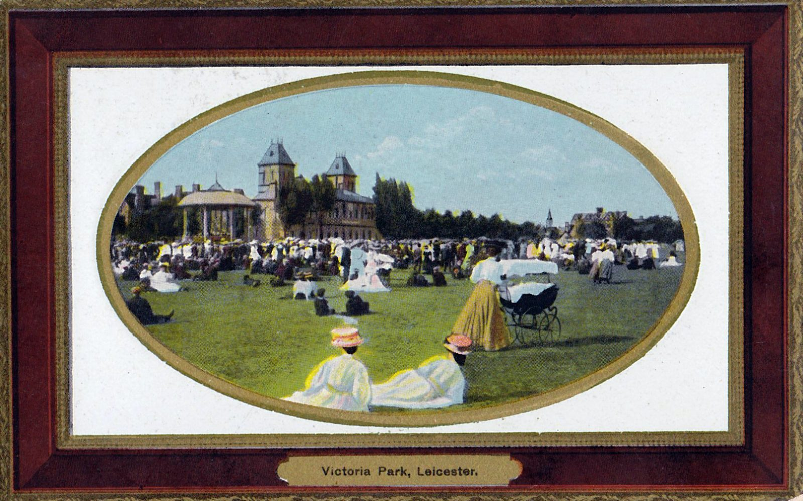 Victoria Park, Leicester. 1901-1920: The Pavilion and bandstand with many people. Franked 1912 (File:1445)