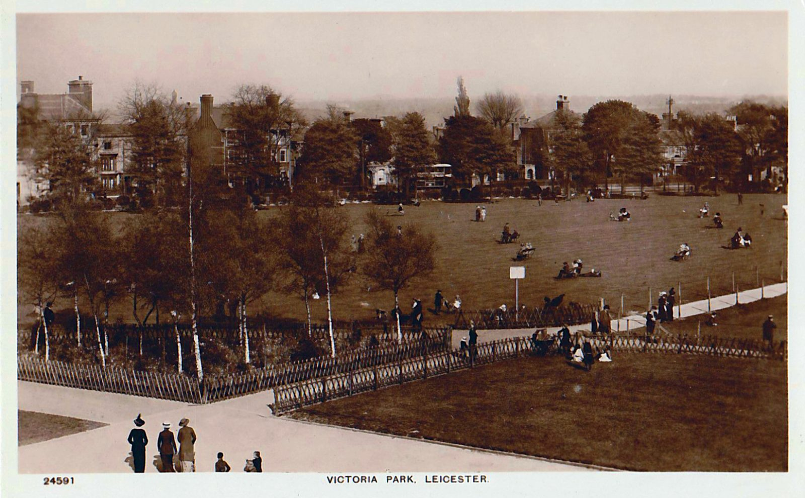 Victoria Park, Leicester. 1901-1920: View across the park. Probably from the Pavilion (File:1446)