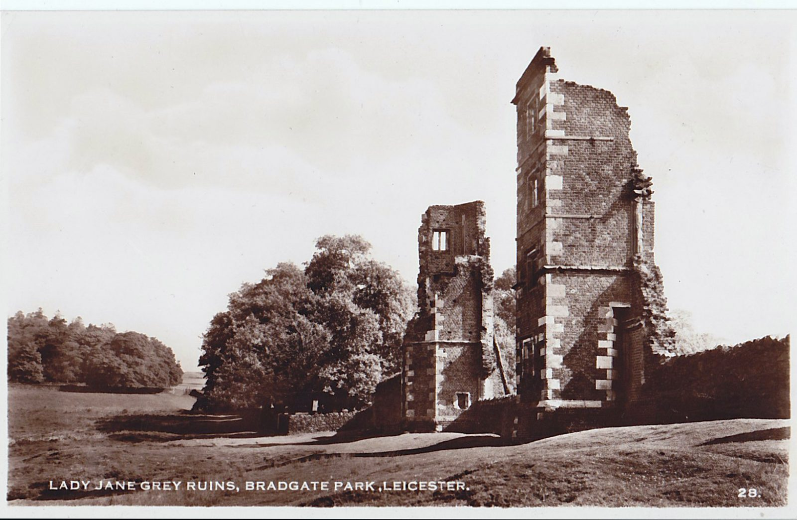 Bradgate Park, Leicester. Undated: Lady Jane Grey ruins (File:1453)