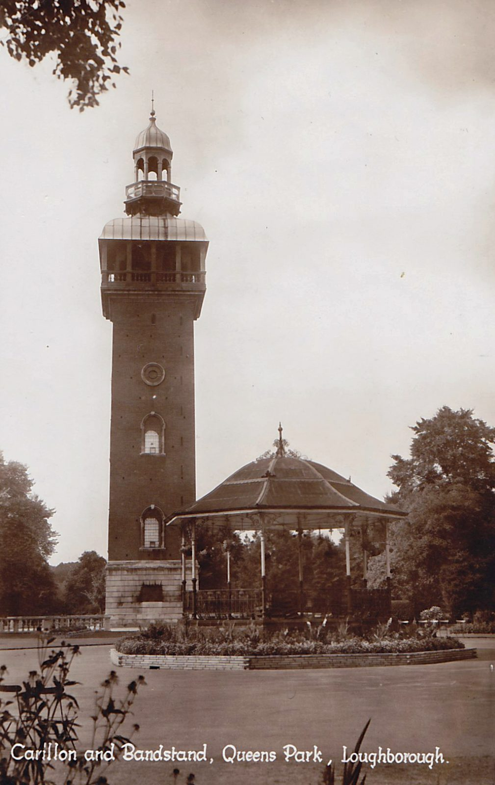 Queens Park, Loughborough. 1941-1960: Carillon and Bandstand. Franked 1955 (File:1486)