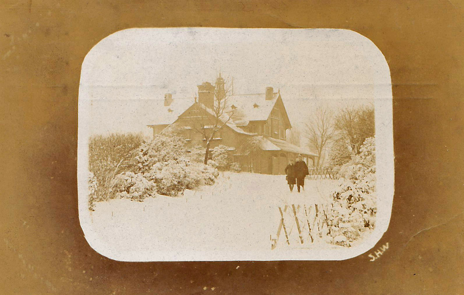Spinney Hill Park, Leicester. 1901-1920: House in snow. Franked 1910 (File:1515)