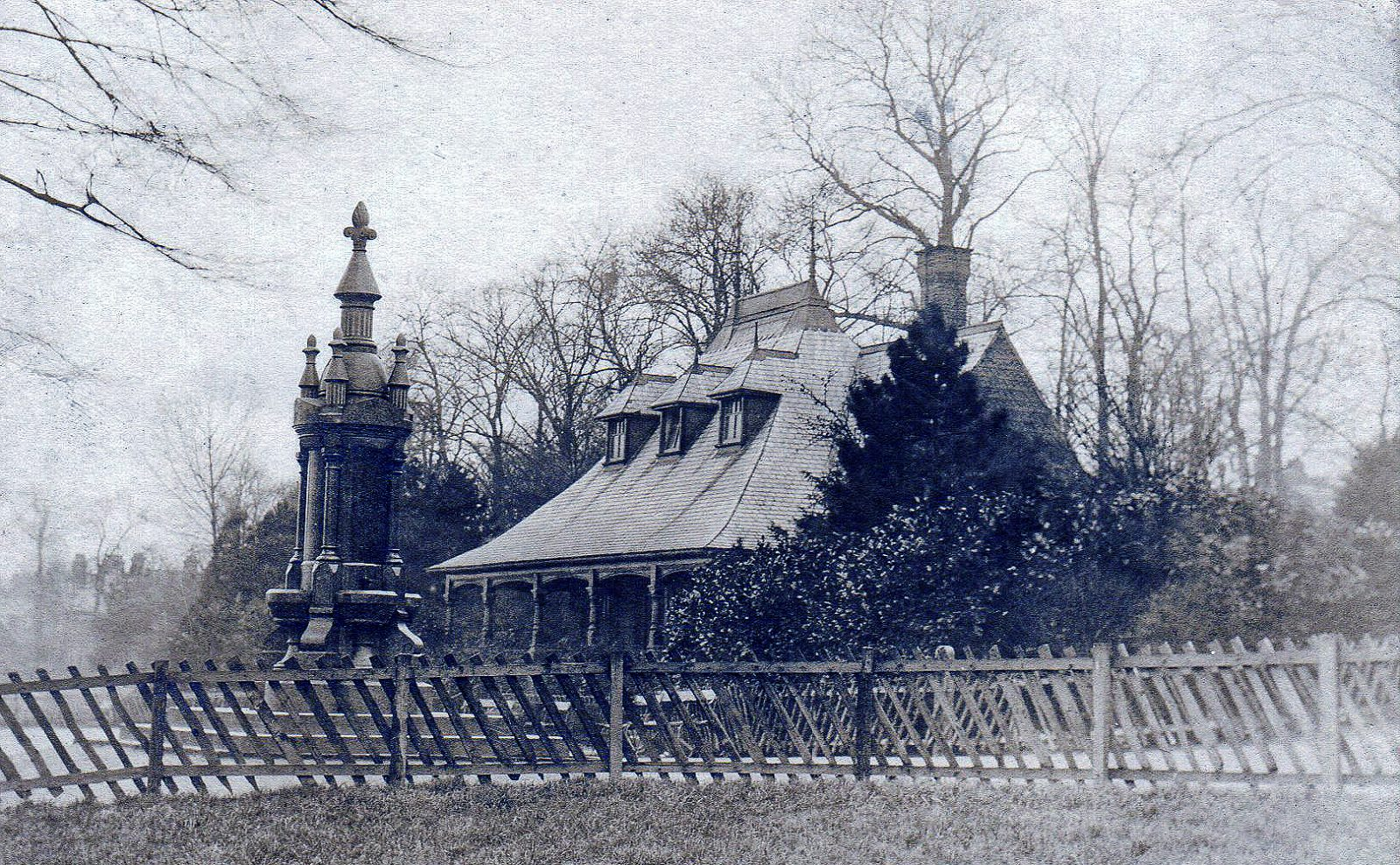 Spinney Hill Park, Leicester. Undated: The pavilion and fountain with rustic fencing (File:1522)