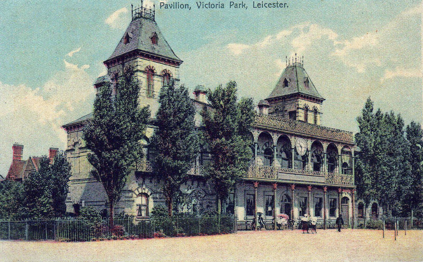 Victoria Park, Leicester. 1901-1920: Closeup of the pavilion (File:1525)